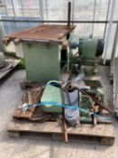 WADKIN SAW BENCH 3 PHASEWITH A CAST IRON BASE BELIEVED WORKING BUT NO WARRANTY NO VAT