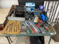 AN ASSORTMENT OF TOOLS TO INCLUDE DRILL BITS, TORCHES AND A WOOD PLANE ETC