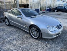 A 2004 MERCEDES SL 350 AUTO CONVERTIBLE. REGISTRATION Y8 SMH. 3724 CC FROM A DECEASED'S ESTATE (