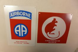 AN AIRBORNE METAL SIGN 17CM X 12CM AND A 7TH ARMOURED DESERT RAT SIGN 14CM X 14CM