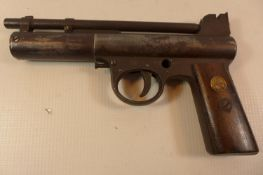 A WEBLEY AND SCOTT MARK I, 177 CALIBRE AIR PISTOL, WITH AN 18CM BARREL LACKING SAFETY.SERIAL