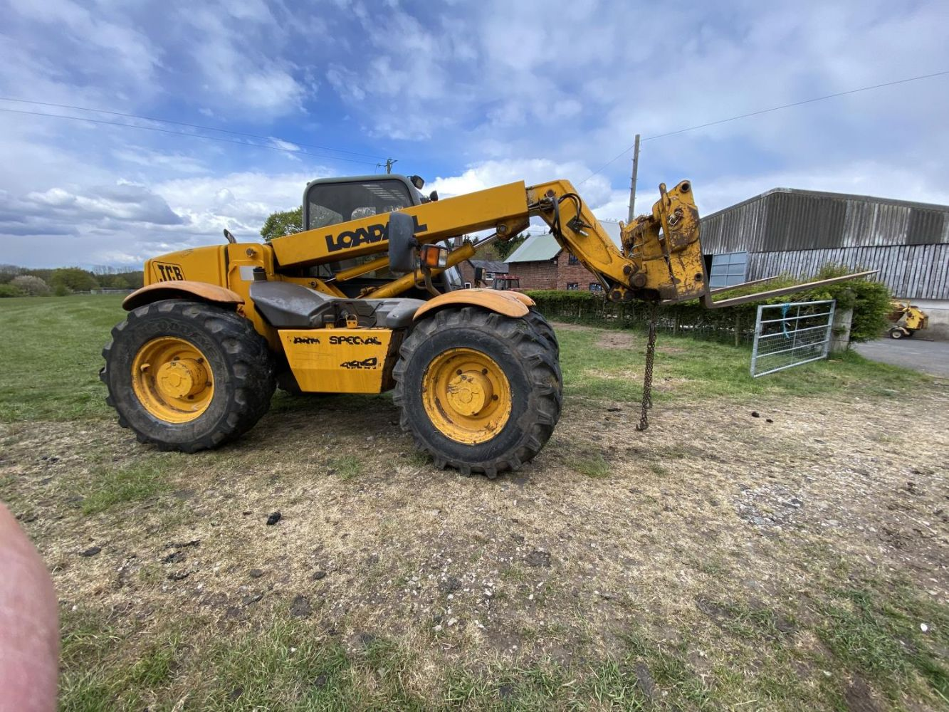 OFFSITE DISPERSAL AUCTION OF TRACTORS, FARM, MACHINERY IMPLEMENTS, TOOLS ETC AT BEECH TREE FARM, HIGH LEGH, KNUTSFORD, CHESHIRE WA16 6NR-NO VAT