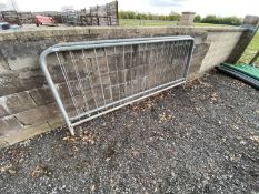 2 BARRIERS 8'