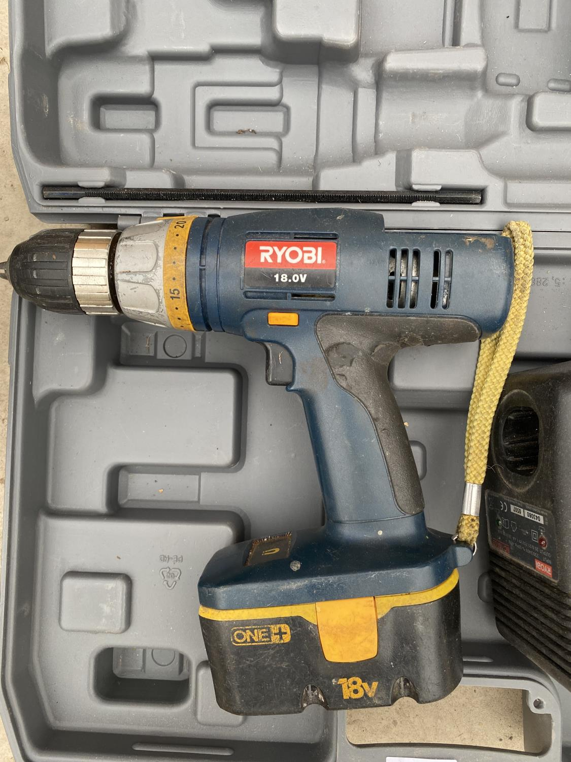 A RYOBI 18V BATTERY DRILL WITH CHARGER - Image 2 of 2