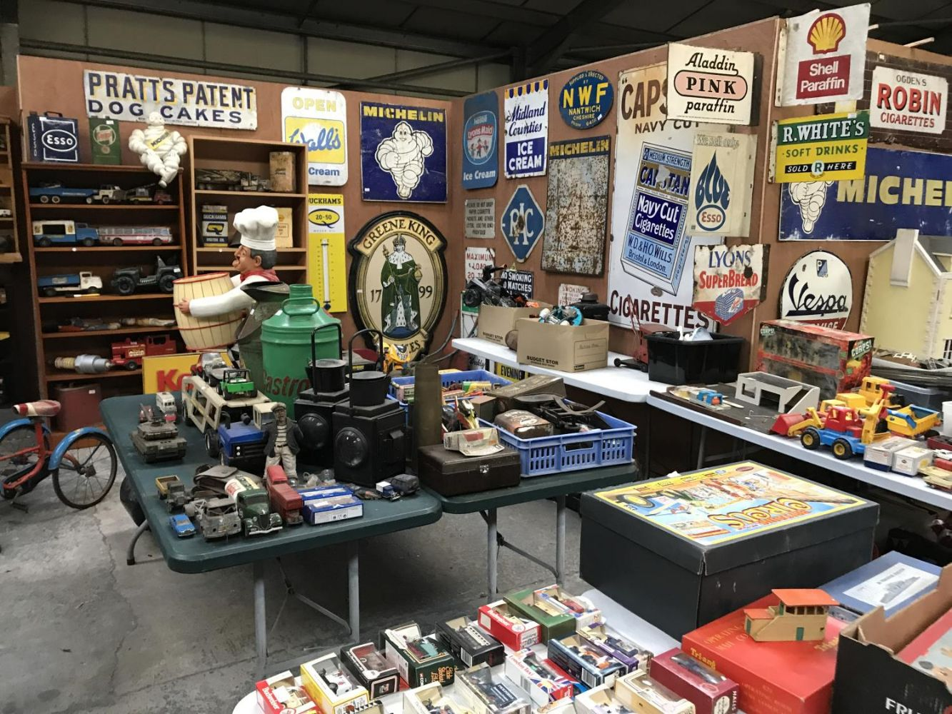 Two Day Auction Of Collectables, Antiques, Furniture, Vintage Items - with a special section for Vintage and Collectable Toys