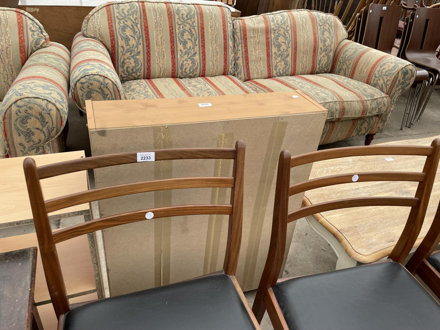 A SET OF FOUR RETRO TEAK G-PLAN DINING CHAIRS - Image 2 of 6