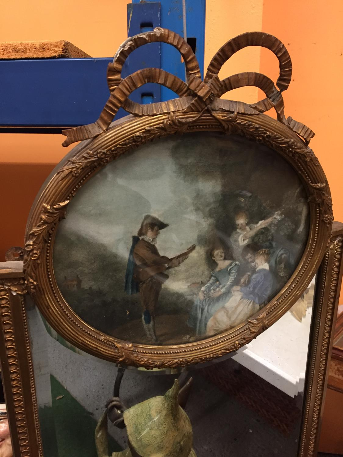 A GILT FRAMED MIRROR WITH AN INTEGRATED PICTURE HEIGHT 90CM - Image 2 of 3