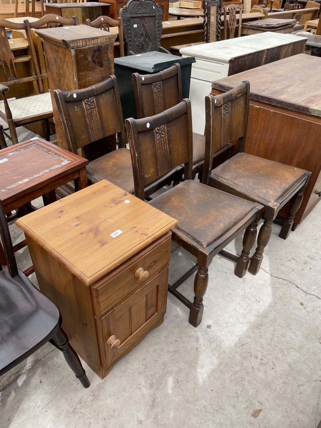 A SET OF FOUR EARLY 20TH CENTURY OAK DINING CHAIRS AND A PINE LOCKER