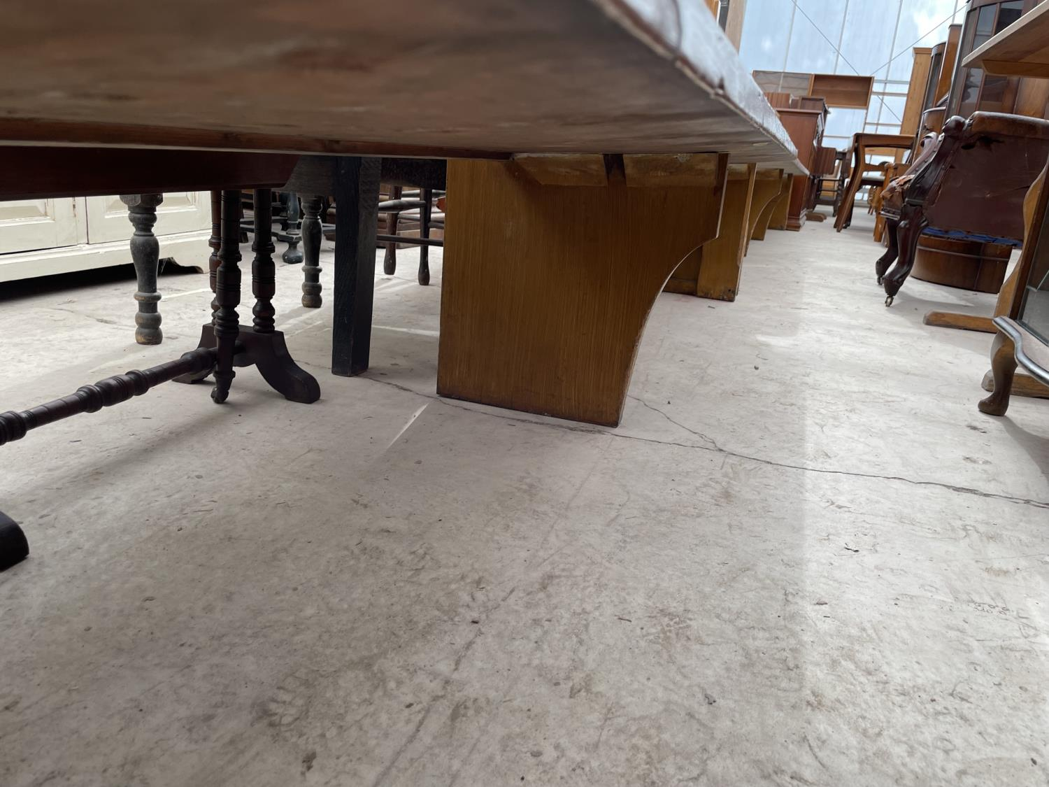 A VICTORIAN SCUMBLE 13' CHURCH PEW - Image 4 of 5