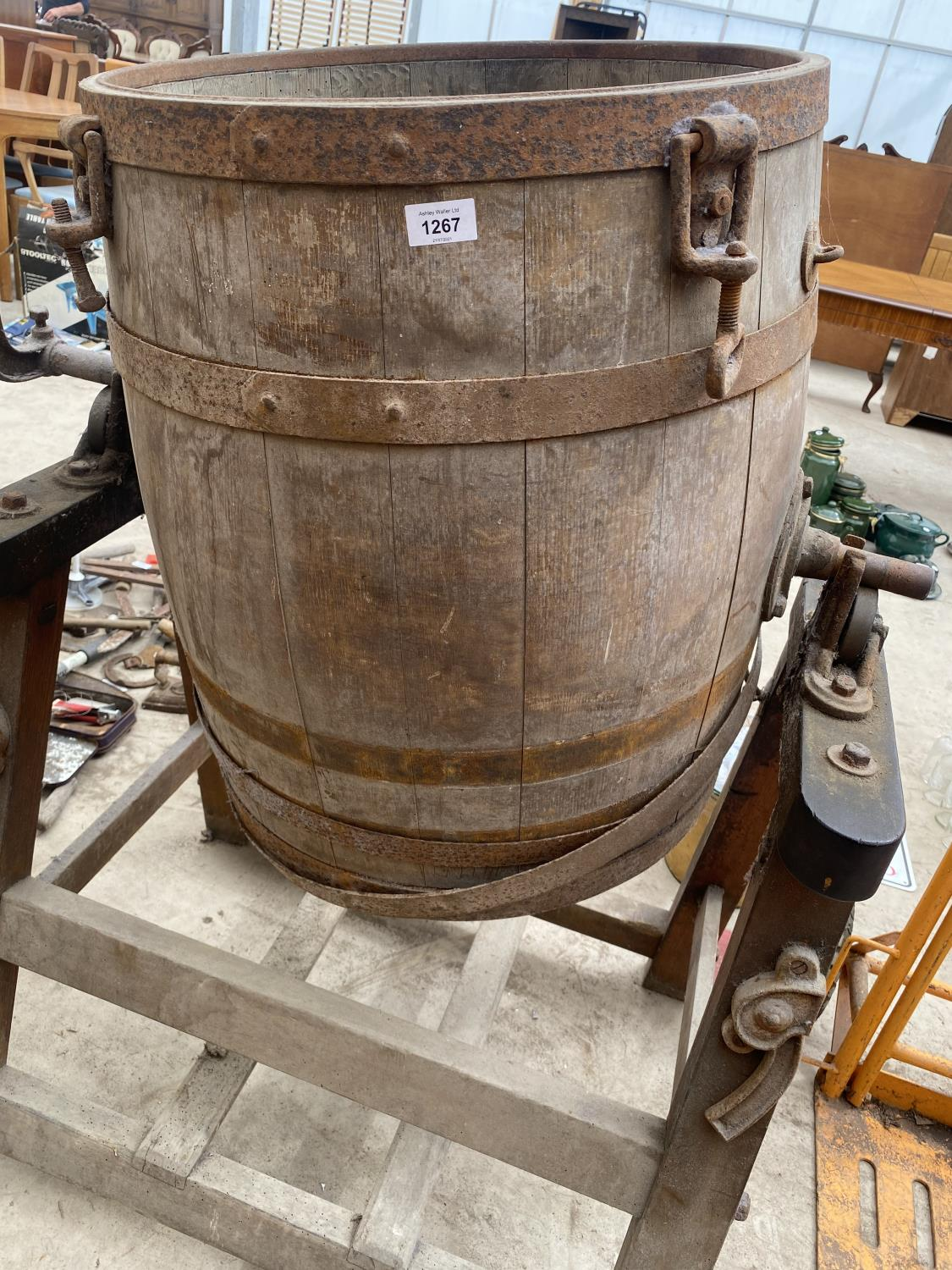 A LARGE VINTAGE BUTTER CHURN WITH STAND - Image 2 of 6