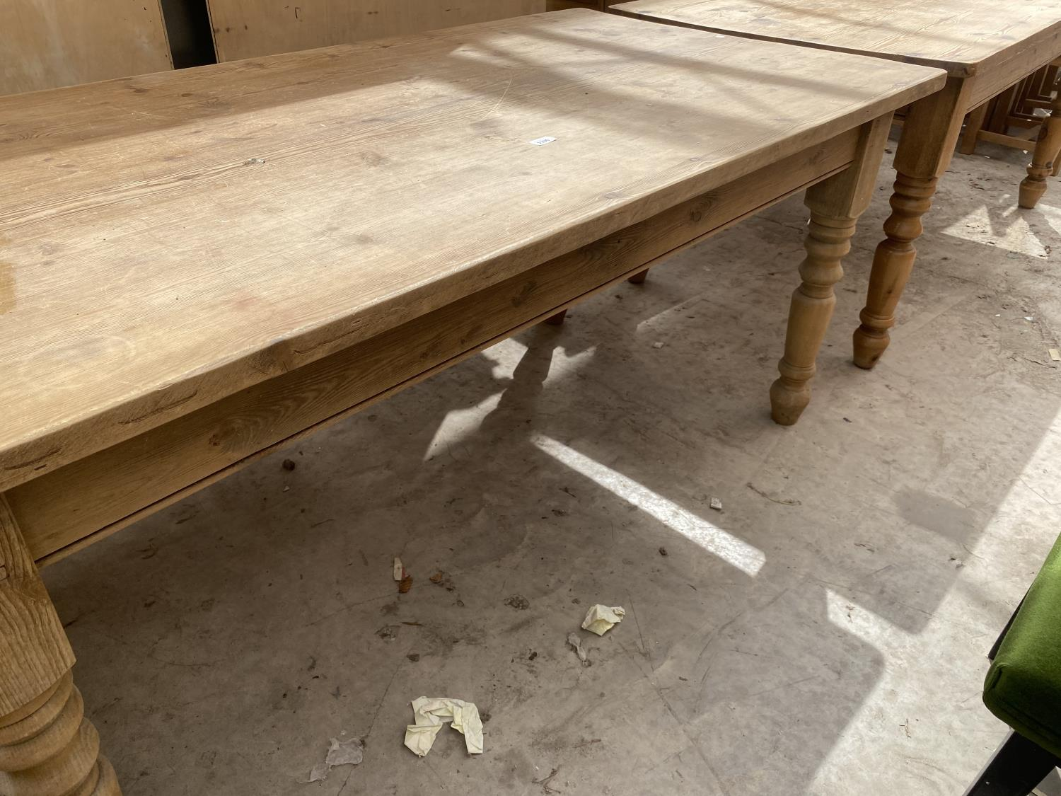 """A VICTORIAN STYLE PINE KITCHEN TABLE ON TURNED LEGS, 72X35.5"""" - Image 4 of 4"""