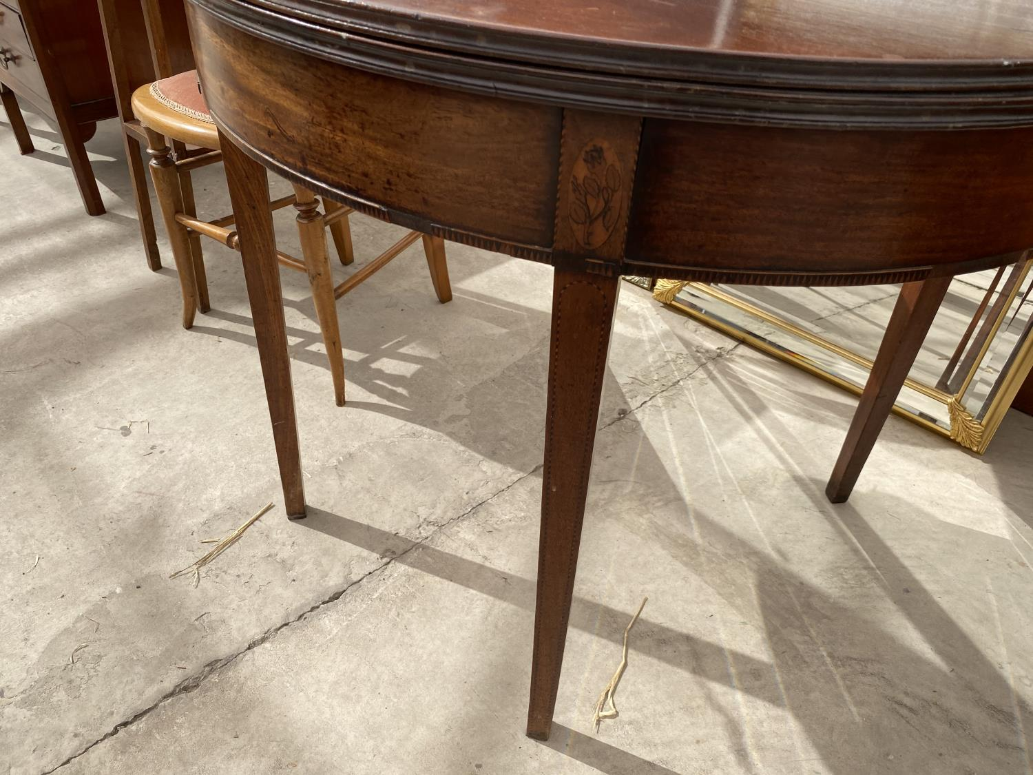 """A GEORGE III MAHOGANY AND INLAID FOLD-OVER TEA TABLE, 35"""" DIAMETER OPENED - Image 3 of 5"""