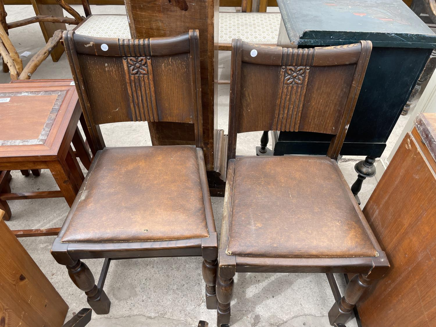 A SET OF FOUR EARLY 20TH CENTURY OAK DINING CHAIRS AND A PINE LOCKER - Image 5 of 5
