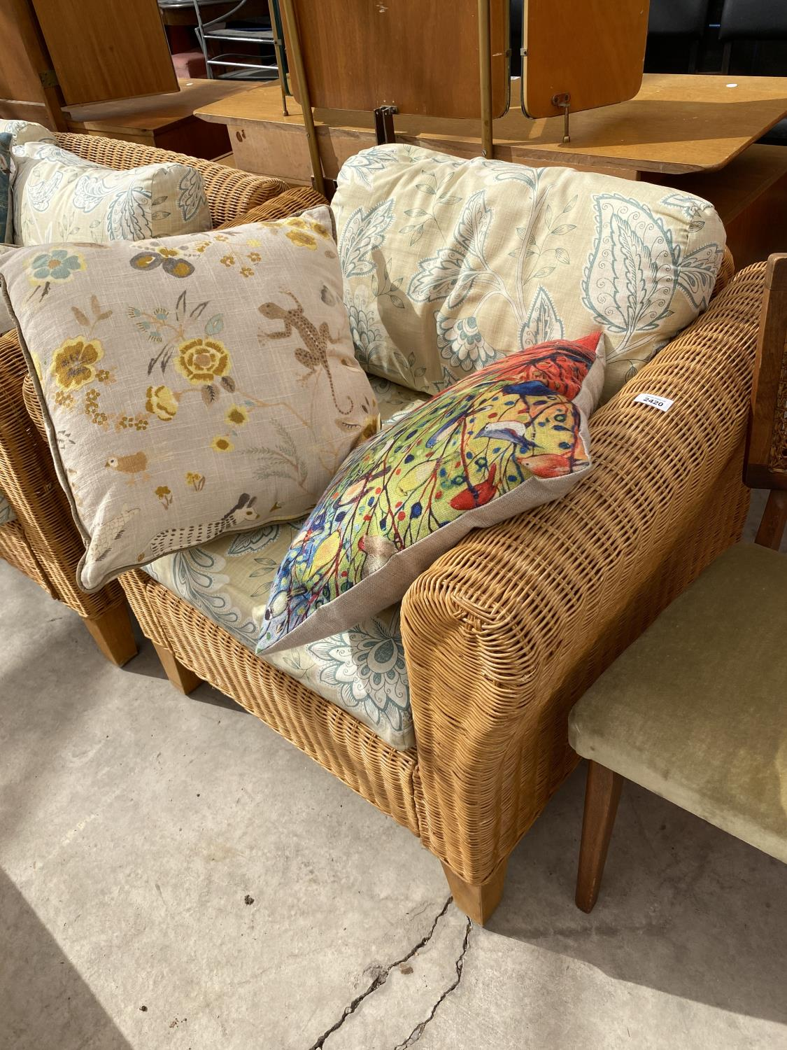 A MODERN WICKER CONSERVATORY SETTEE AND EASY CHAIR WITH FIVE LOOSE CUSHIONS - Image 2 of 4