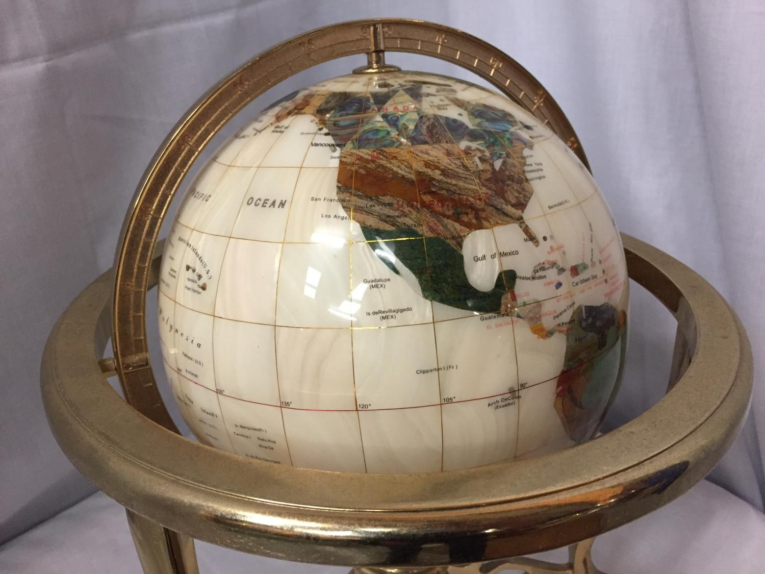 A GEM STONE AND PEARLISED GLOBE ON BRASS STAND 32CM HIGH - Image 2 of 4