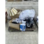AN ASSORTMENT OF HOUSEHOLD CLEARANCE ITEMS TO INCLUDE KITCHEN ITEMS AND LAMPS ETC