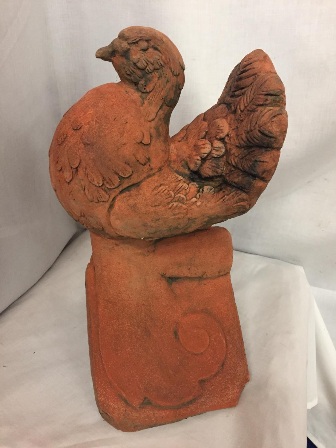 A TERRACOTTA ROOF TILE FINIAL OF A DOVE - Image 2 of 4