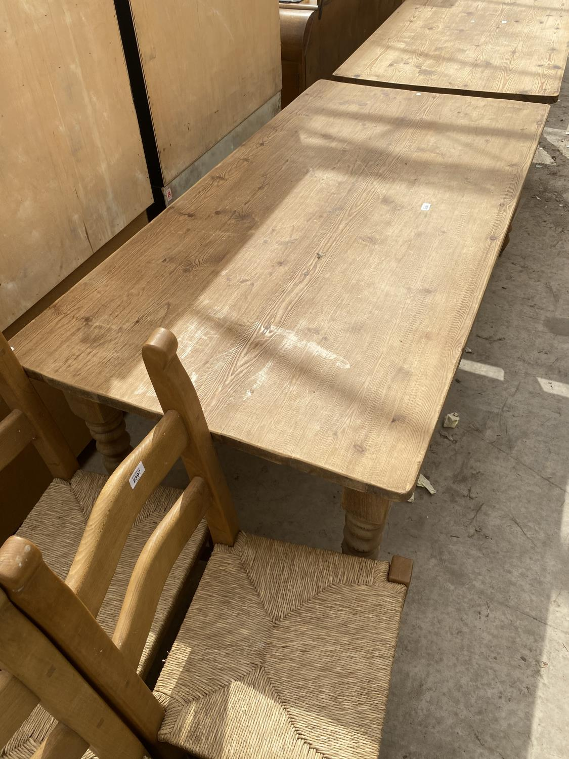 """A VICTORIAN STYLE PINE KITCHEN TABLE ON TURNED LEGS, 72X35.5"""" - Image 3 of 4"""