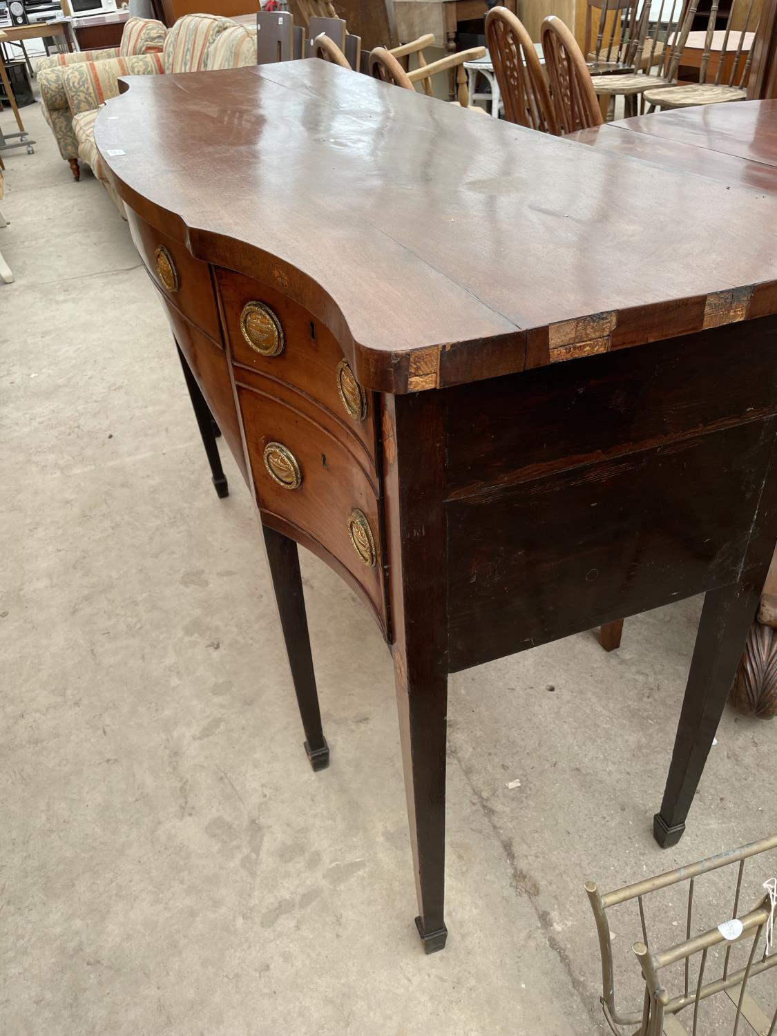 A 19TH CENTURY MAHOGANY AND INLAID SIDEBOARD ENCLOSING FOUR DRAWERS, ON TAPERED LEGS, WITH SPADE - Image 7 of 7