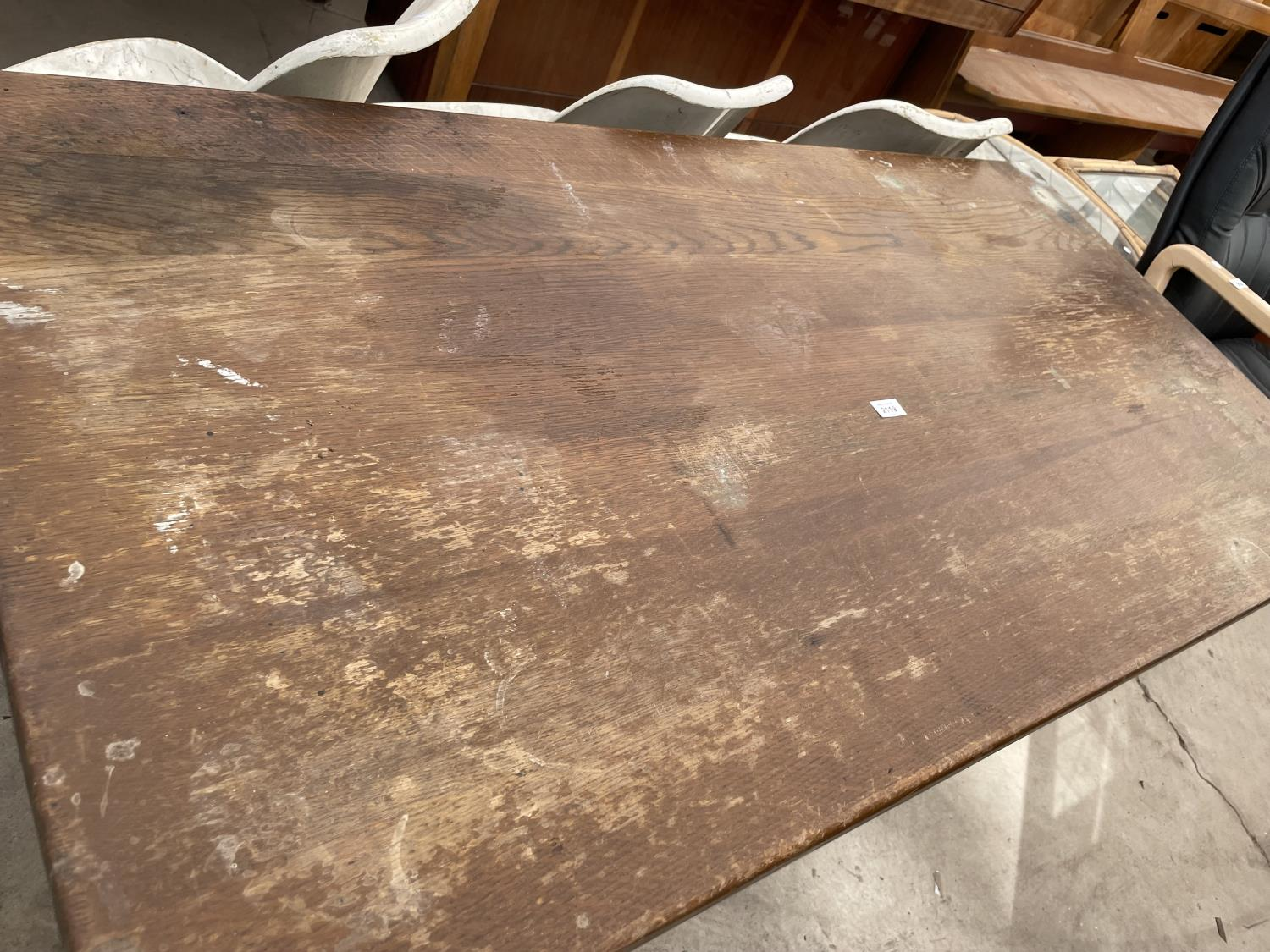 """A GEORGIAN STYLE OAK REFECTORY DINING TABLE ON TURNED TAPERED LEGS, 60X30"""" - Image 2 of 3"""