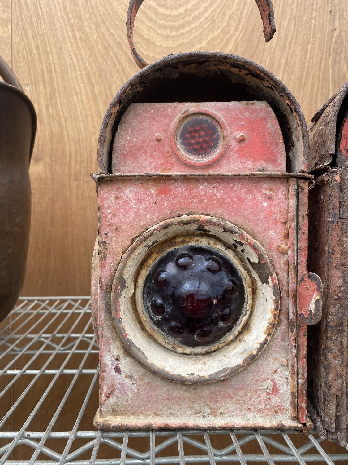 A PAIR OF VINTAGE ROAD LAMPS - Image 2 of 6