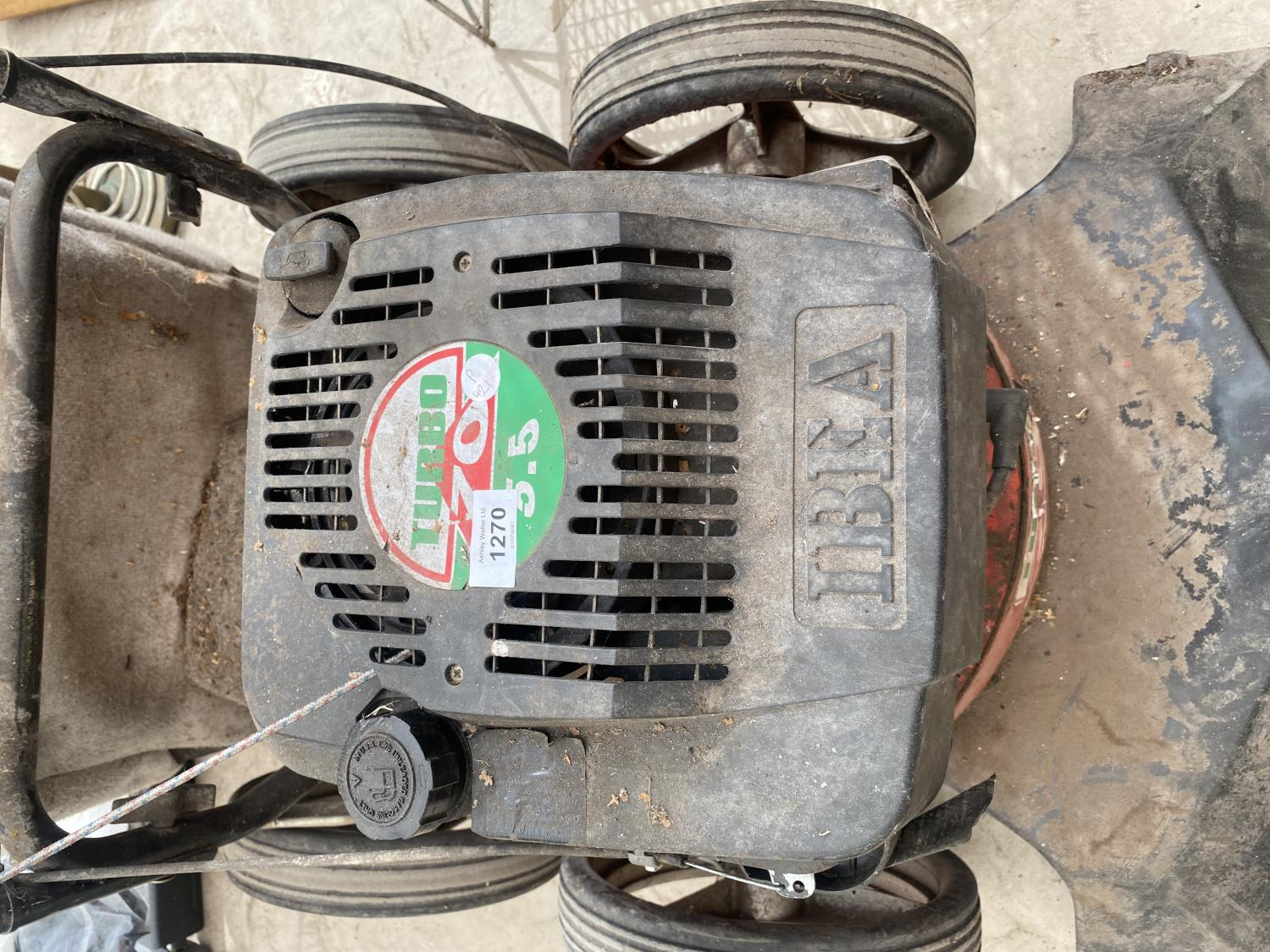 AN IBEA GARDEN HOOVER WITH TURBO 70 PETROL ENIGINE - Image 4 of 5