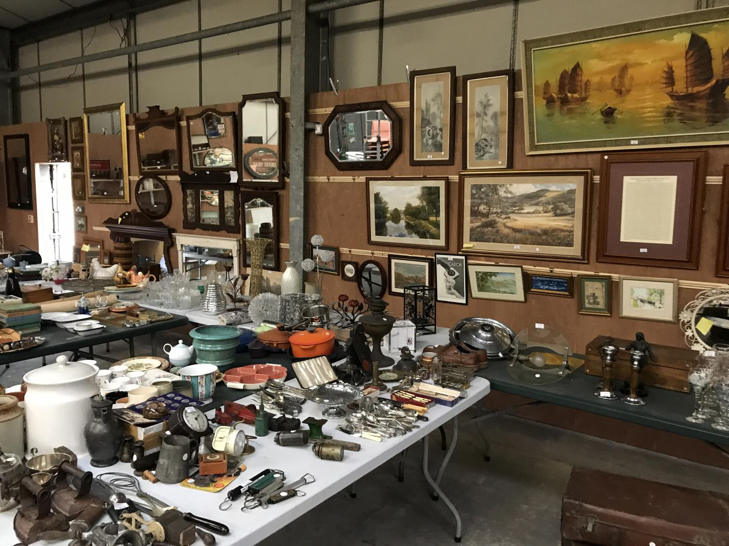 LOTS BEING ADDED DAILY - THESE PHOTOS SHOW LOTS FROM A PREVIOUS SALE - Image 6 of 14