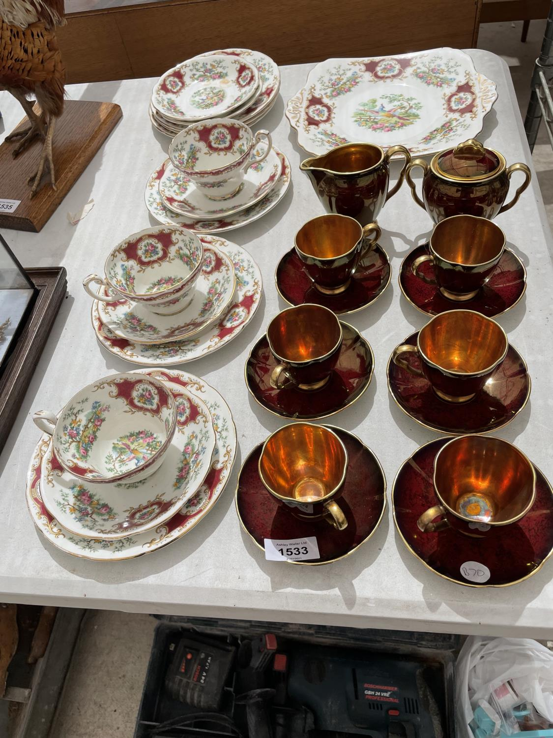 AN ASSORTMENT OF CERAMIC WARE TO INCLUDE A CARLTON WARE COFFEE SERVICE SET AND FLORAL TRIOS ETC - Image 2 of 10