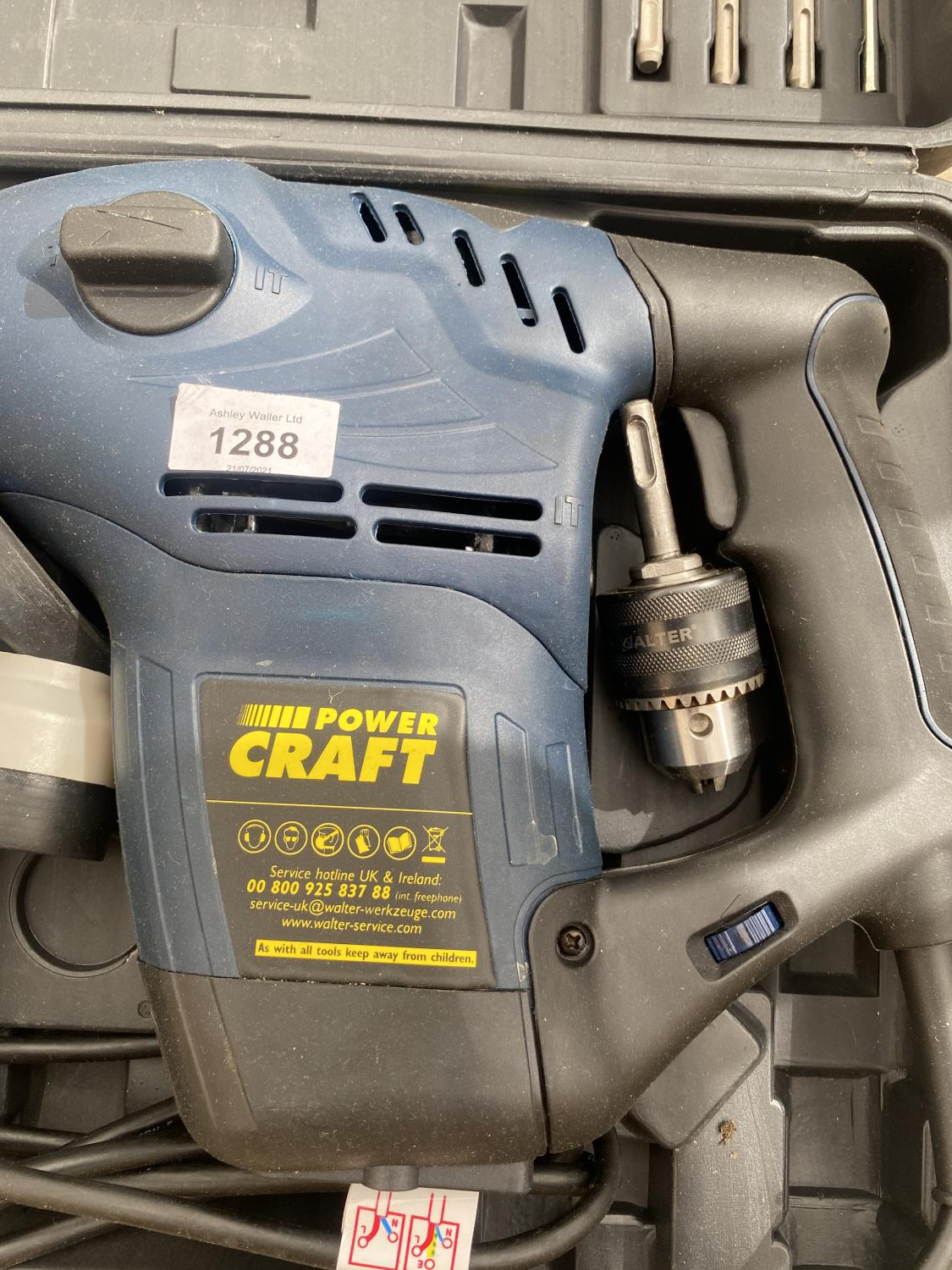 A POWER CRAFT SDS DRILL WITH VARIOUS SDS DRILL BITS AND R/PLUGS - Image 2 of 4