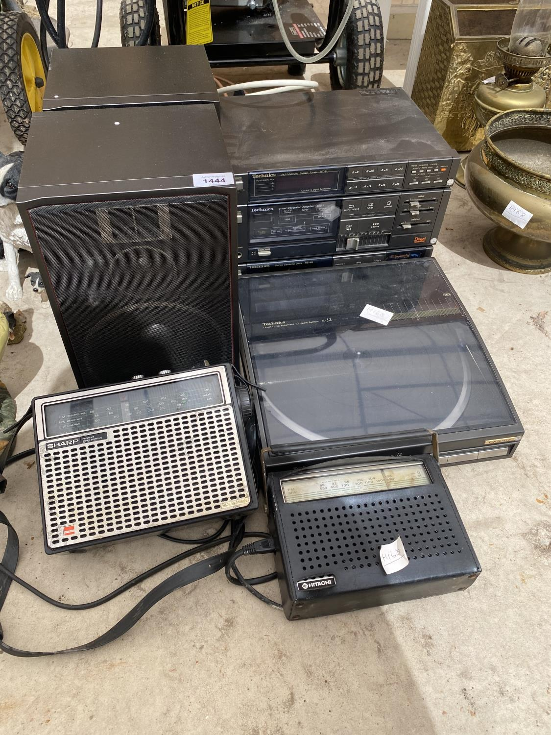 AN ASSORTMENT OF ELECTRICALS TO INCLUDE A TECHNICS STEREO SYSTEM WITH TURNTABLE ETC