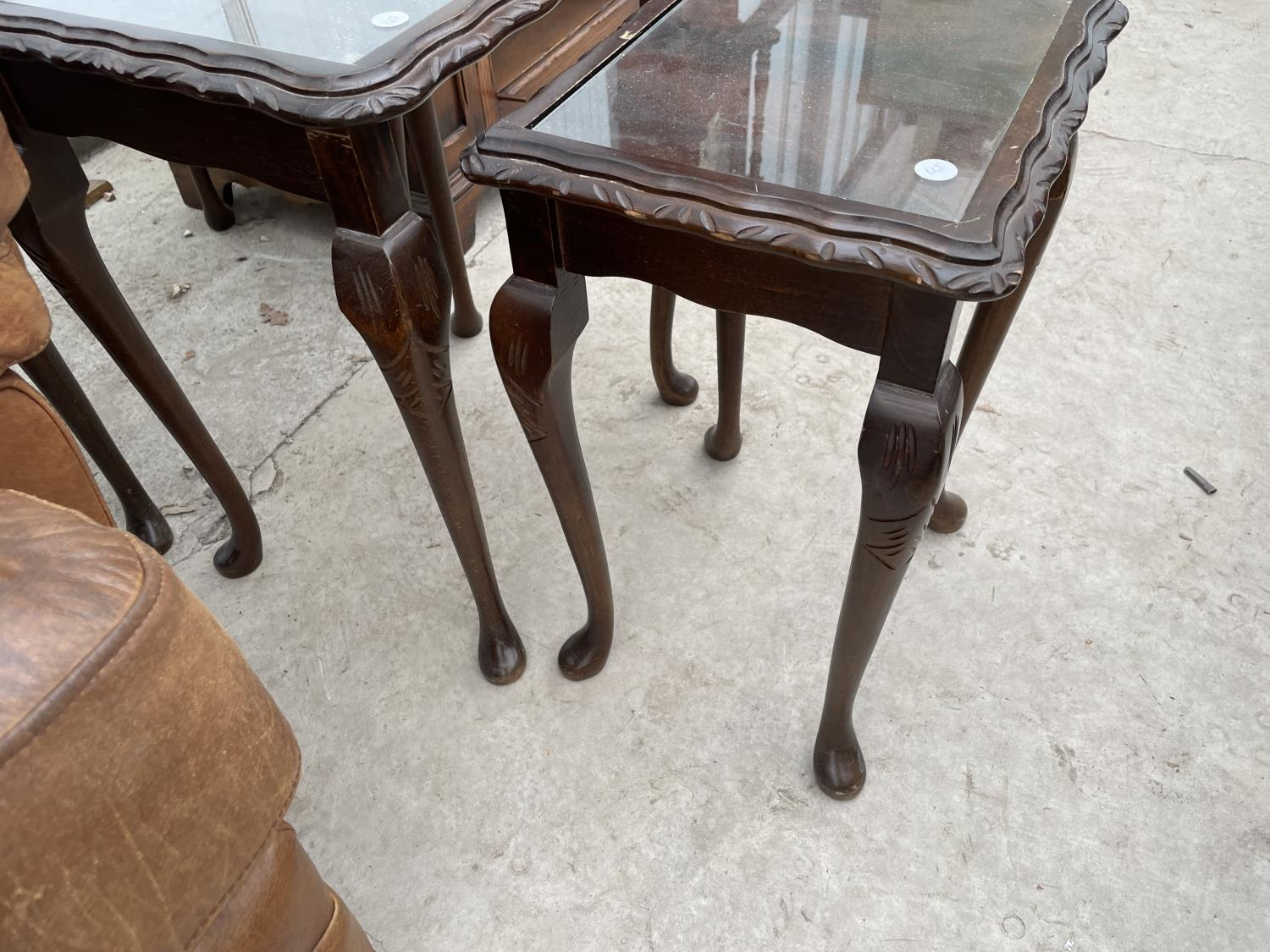 A REPRODUCTION NEST OF THREE TABLES ON CABRIOLE LEGS - Image 3 of 3