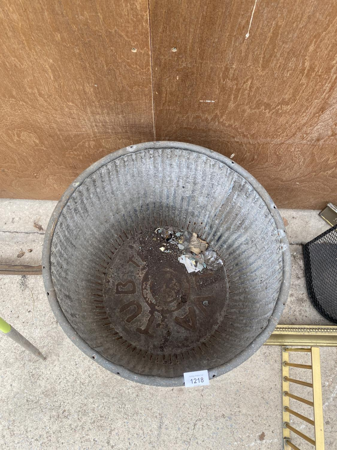 A VINTAGE GALVANISED DOLLY TUB - Image 3 of 4