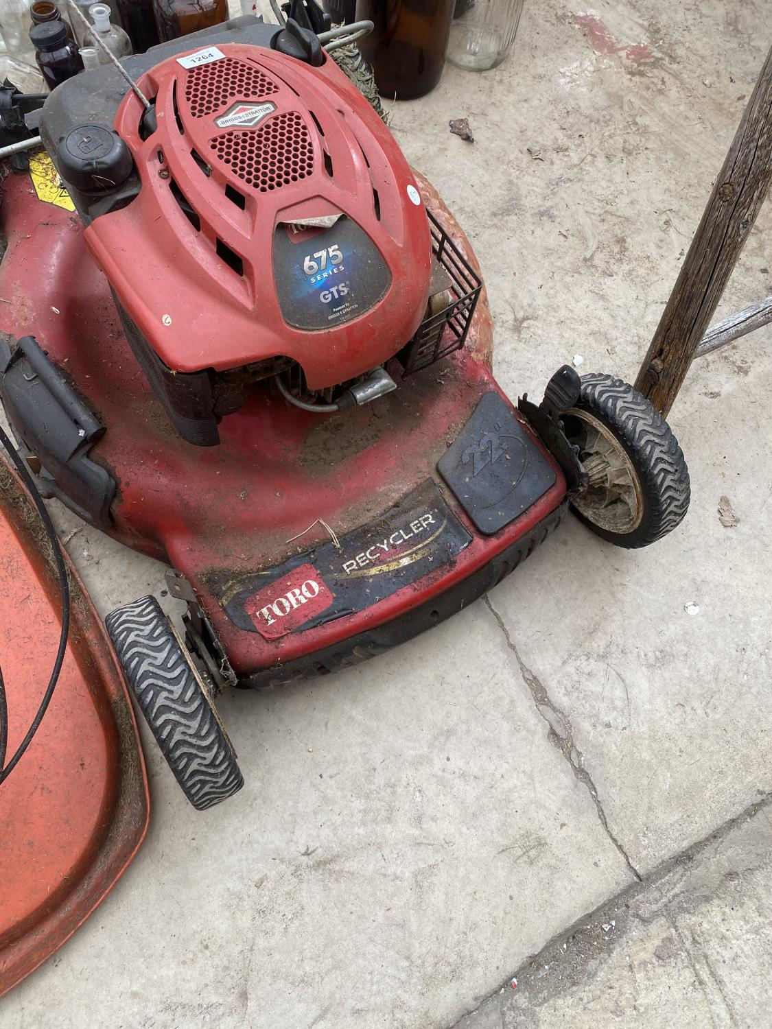 """A TORRO RECYCLER 22"""" LAWN MOWER WITH BRIGGS AND STRATTON PETROL LAWN MOWER - Image 3 of 5"""