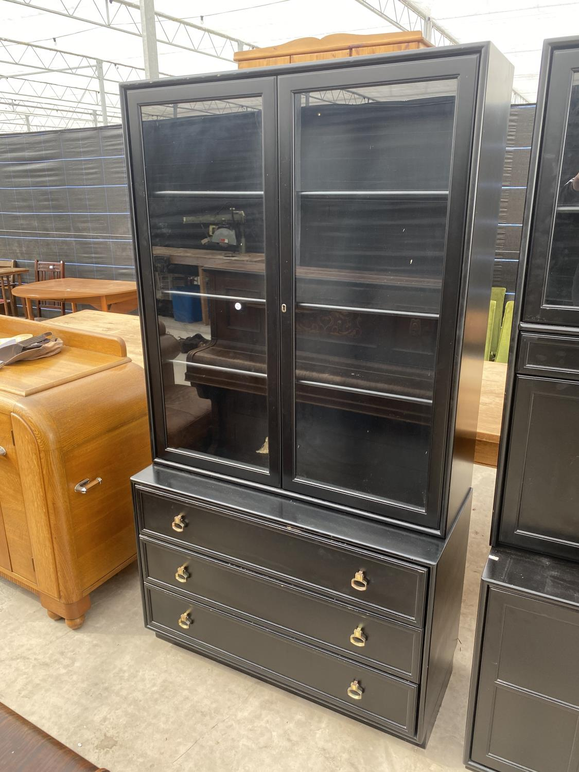 """TWO MODERN BLACK LOUNGE UNITS, EACH 39"""" WIDE - Image 3 of 6"""
