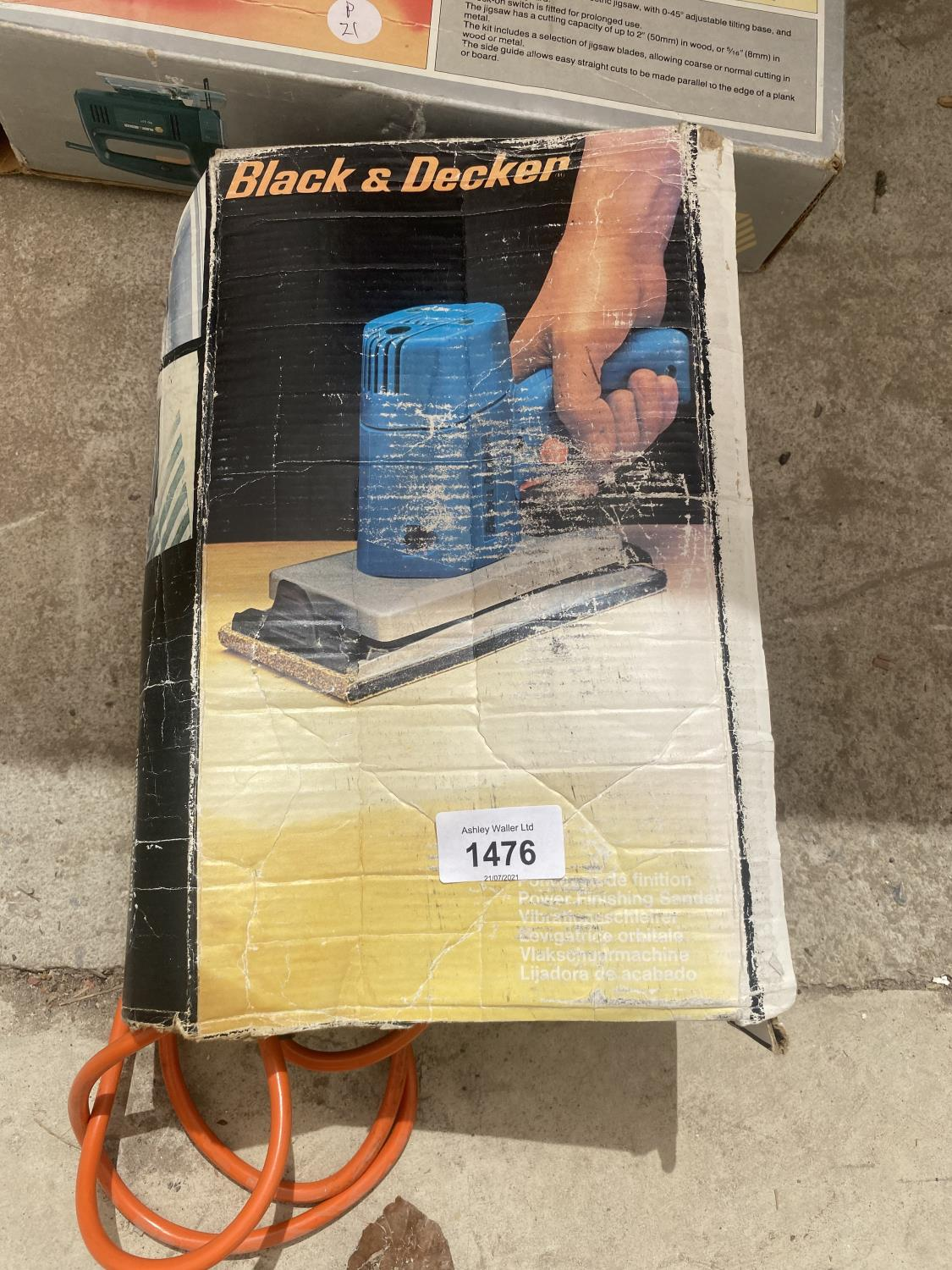 A BLACK AND DECKER SANDER AND A BLACK AND DECKER JIGSAW - Image 2 of 3