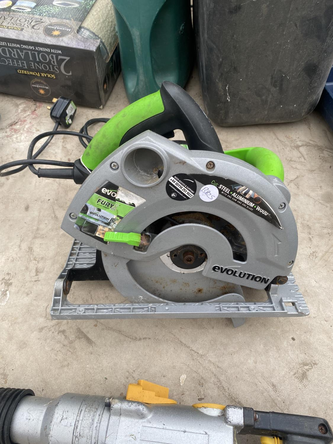 AN EVOLUTION CIRCULAR SAW AND AN SDS DRILL - Image 3 of 3