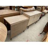 A MID 20TH CENTURY CREAMY WALNUT EFFECT DINING ROOM SUITE COMPRISING SIDEBOARD/COCKTAIL UNIT