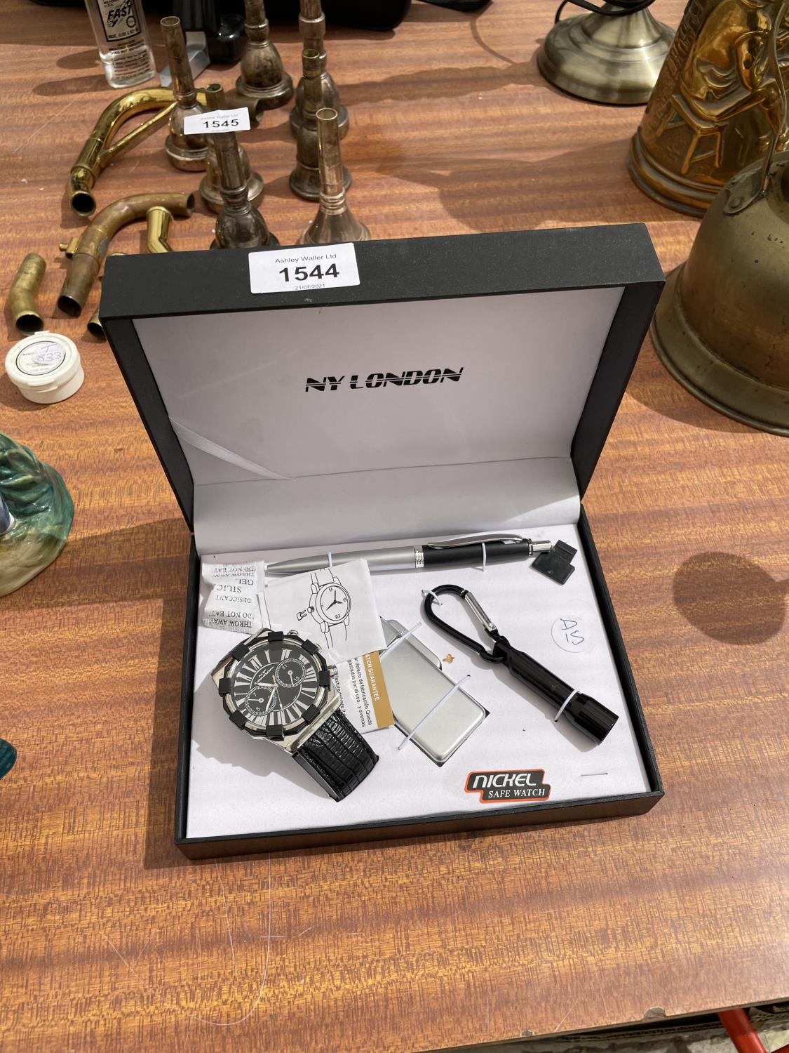 A BOXED NY LONDON WATCH, LIGHTER, PEN AND TORCH SET