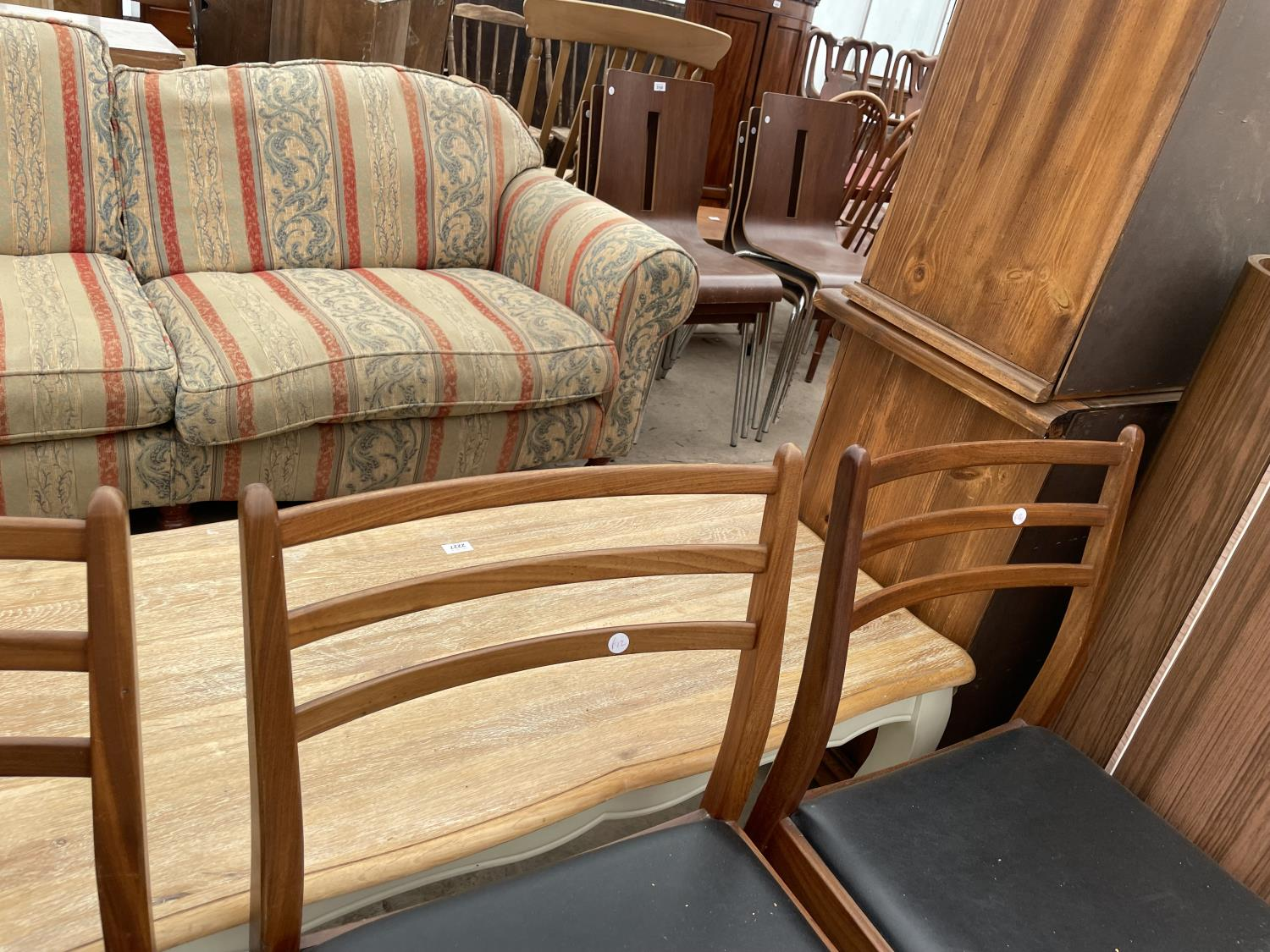 A SET OF FOUR RETRO TEAK G-PLAN DINING CHAIRS - Image 4 of 6