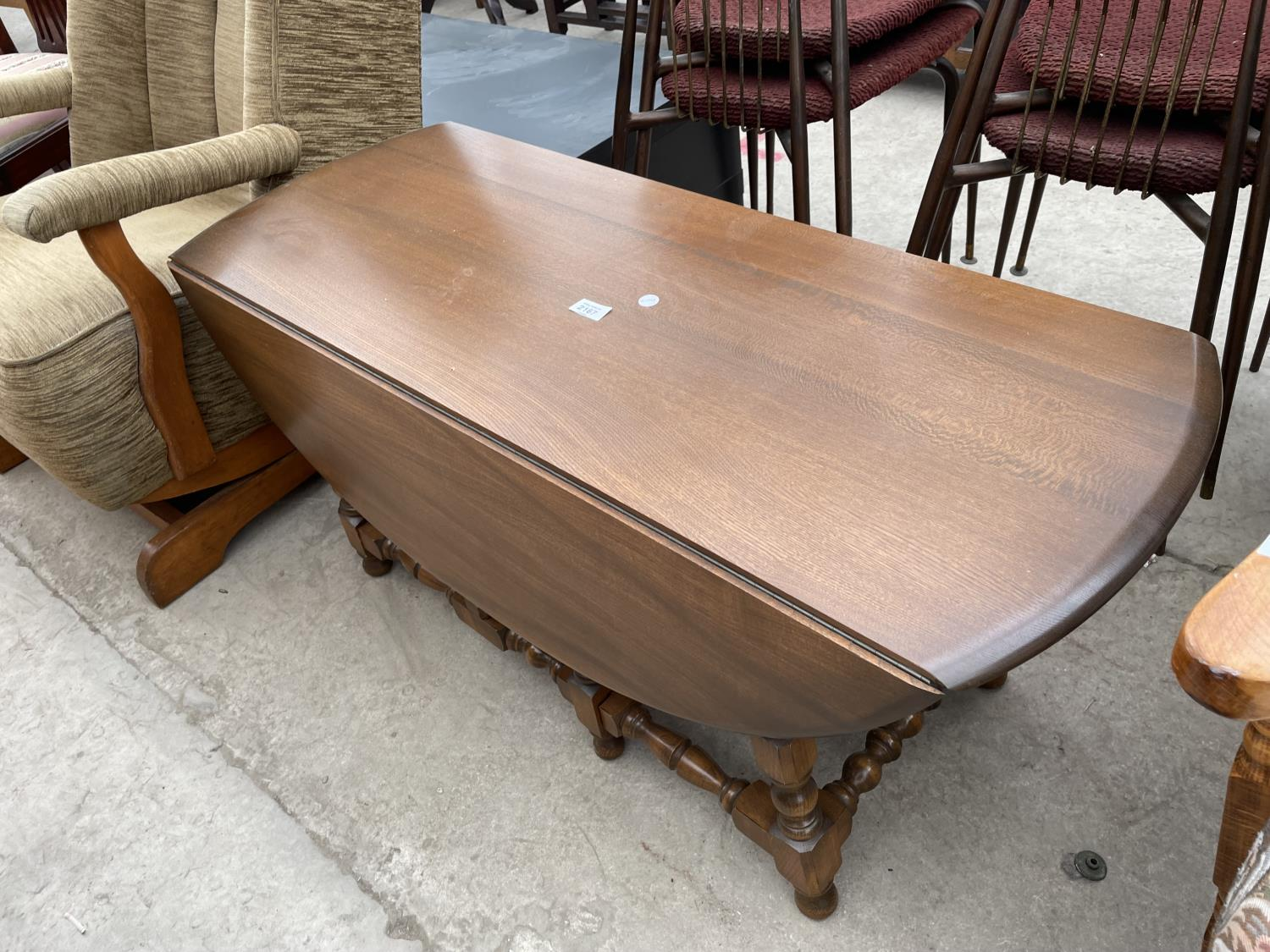 AN ERCOL TWIN-LEAF COFFEE TABLE - Image 4 of 4