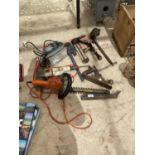 AN ASSORTMENT OF TOOLS TO INCLUDE DRILLS, WOOD PLANES AND A BRACE DRILL ETC