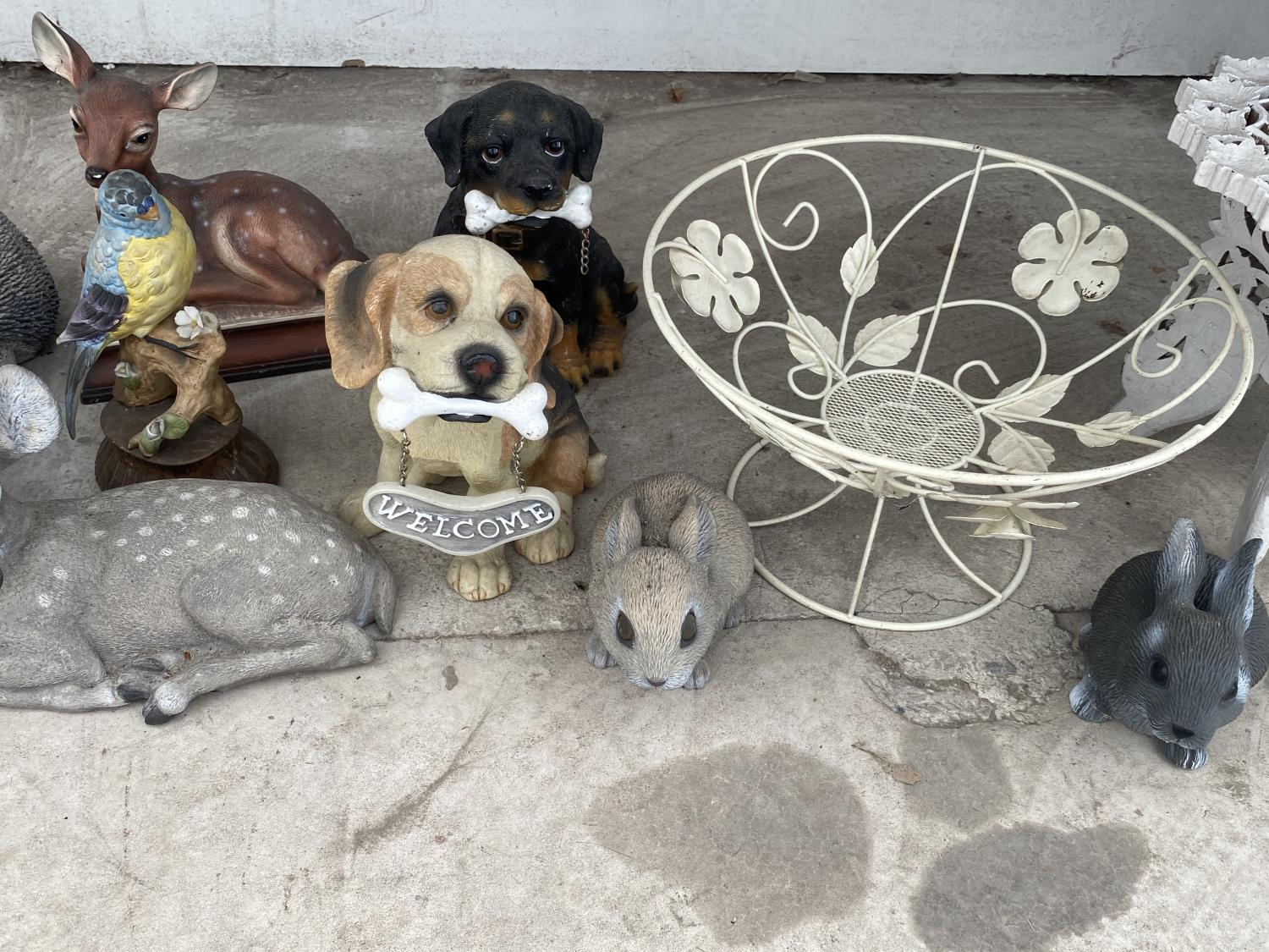 AN ASSORTMENT OF ORNAMENTS TO INCLUDE DOGS, BIRDS AND RABBITS ETC - Image 3 of 4