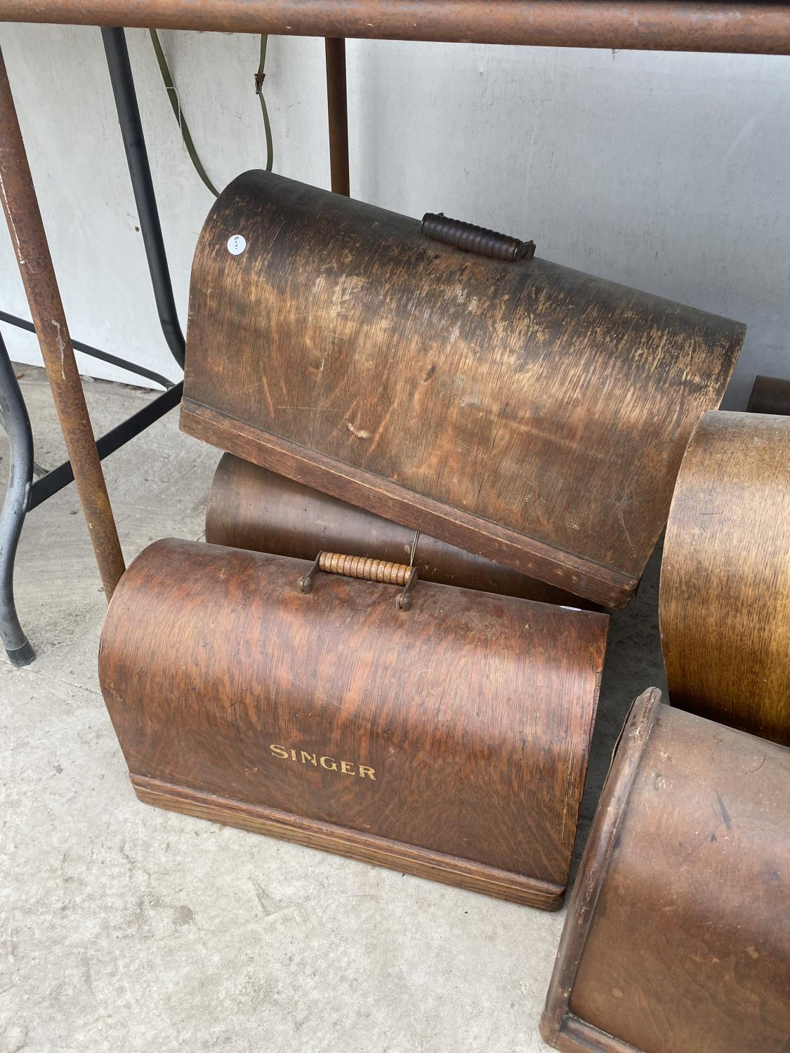 A LARGE QUANTITY OF SINGER SEWING MACHINE CASES - Image 2 of 5