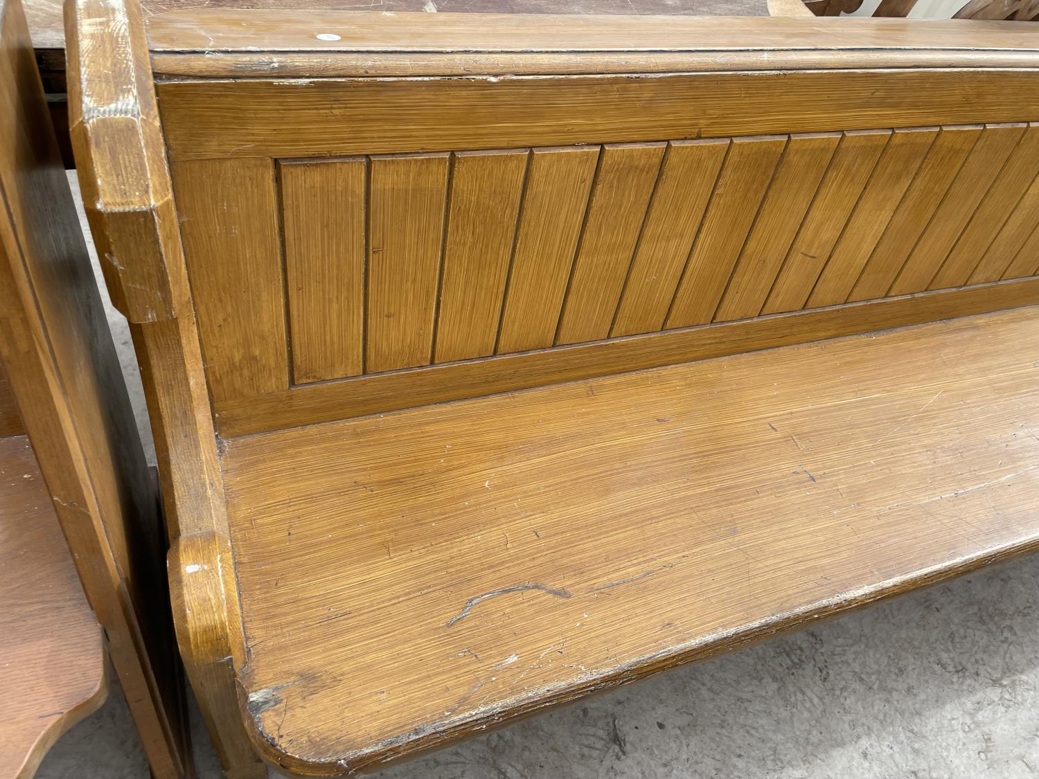 A VICTORIAN SCUMBLE 13' CHURCH PEW - Image 2 of 5