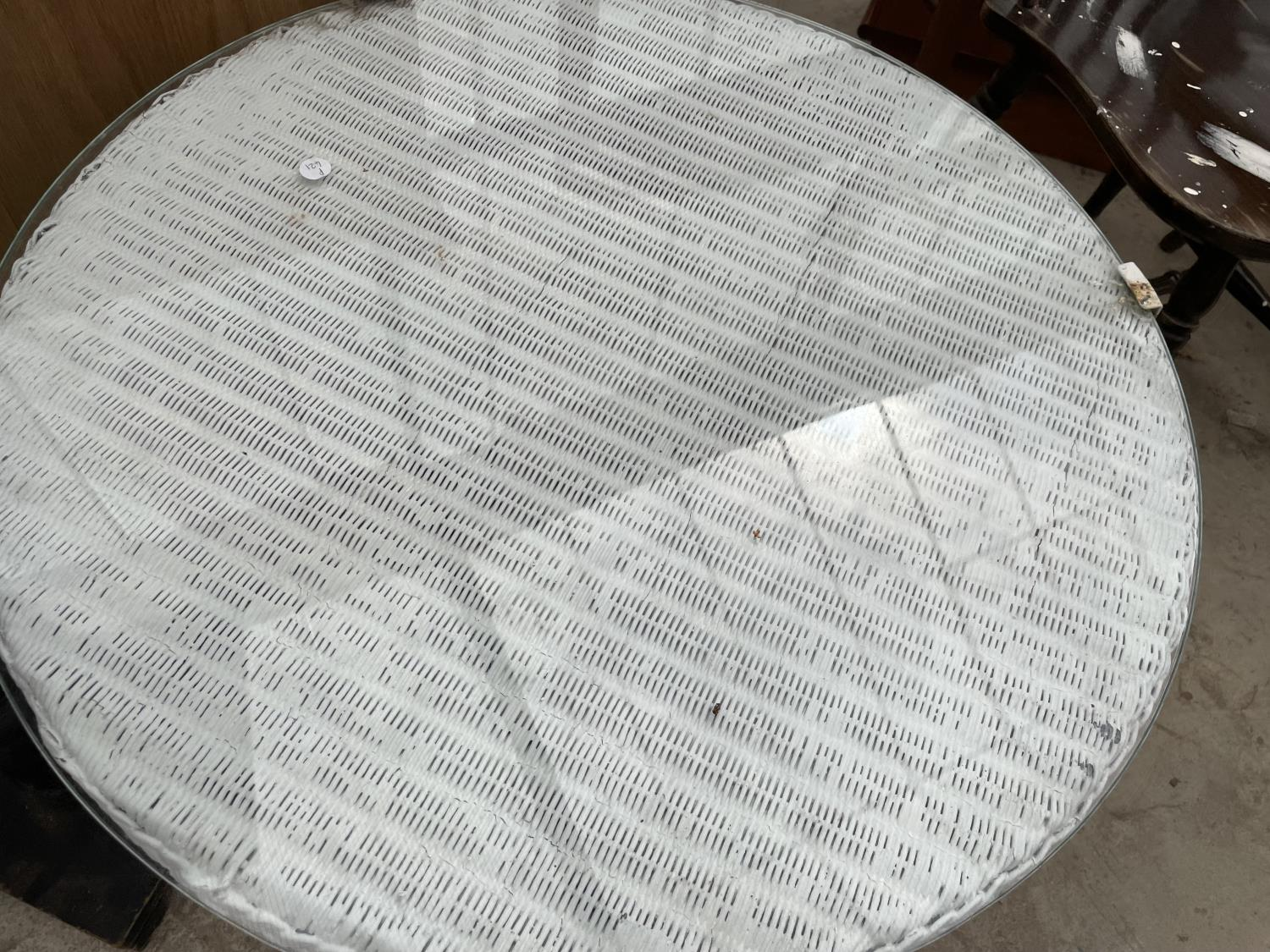 """A LOW LLOYD LOOM TABLE, 27"""" DIAMETER, WITH GLASS TOP AND EBONISED JARDINIER STAND - Image 5 of 5"""