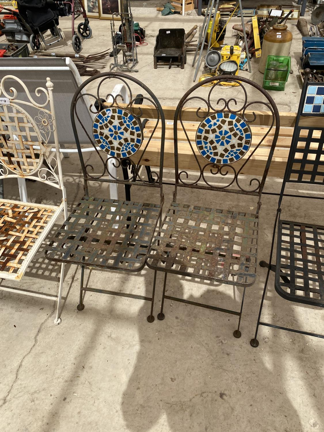 A GROUP OF THREE PAIRS OF FOLDING GARDEN CHAIRS - Image 3 of 4