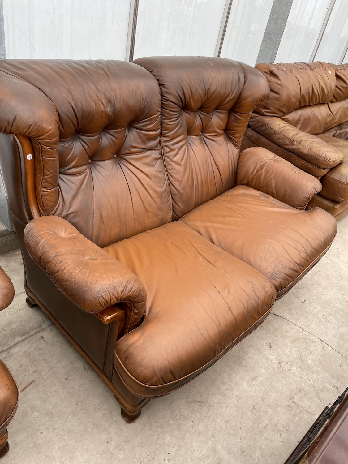 A TWO SEATER SETTEE AND EASY CHAIR BY WORLD OF LEATHER - Image 5 of 7