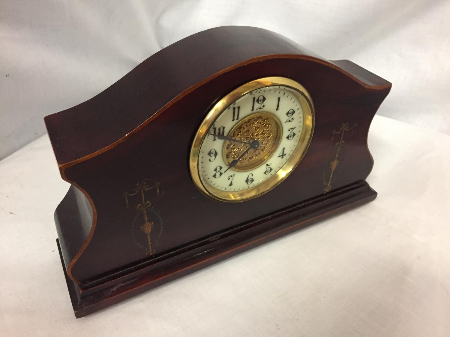 AN INLAID MAHOGANY MANTLE CLOCK WITH GILDED CENTRE FACE AND ENAMEL DIAL - Image 2 of 4