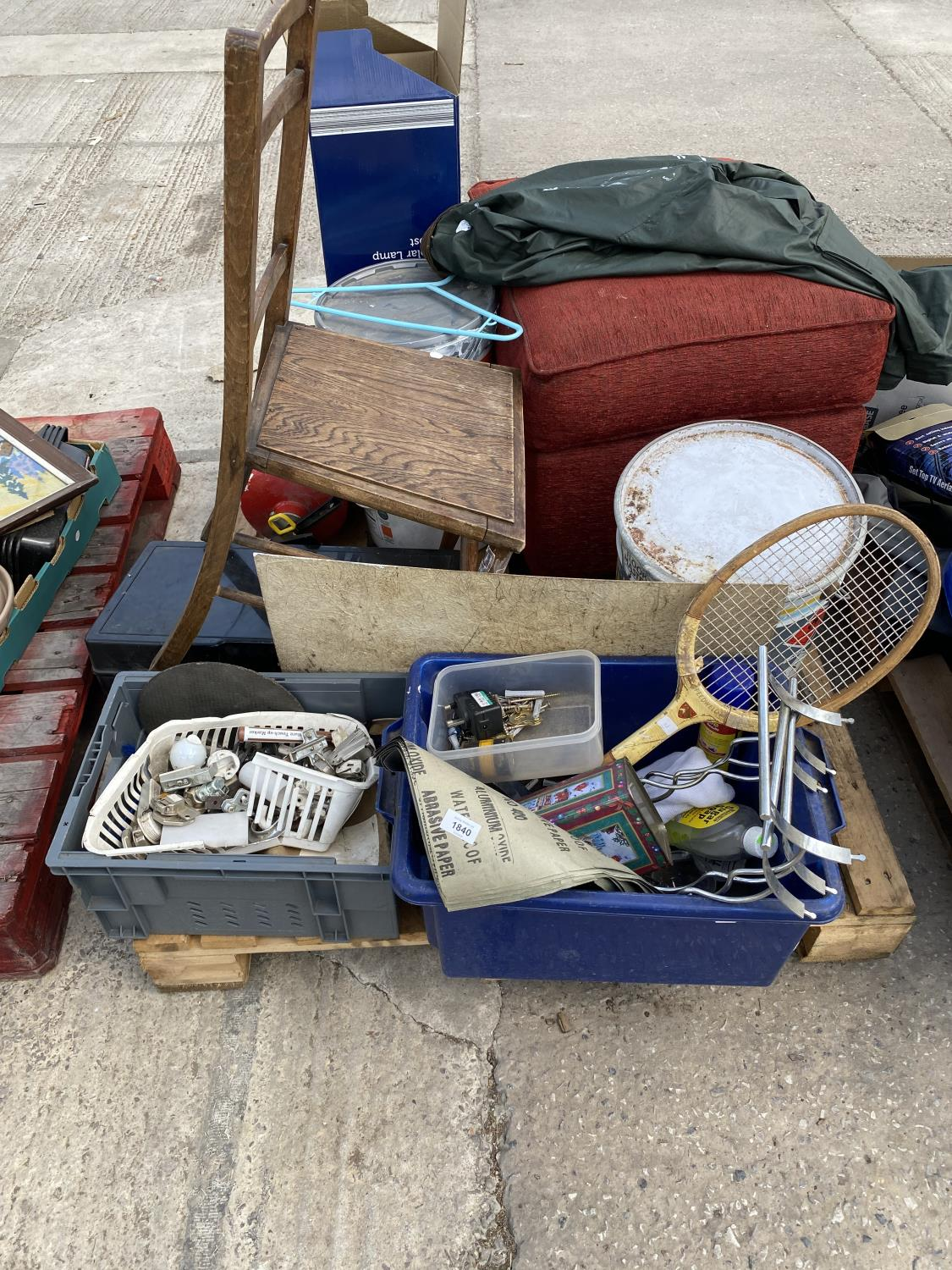 AN ASSORTMENT OF HOUSEHOLD CLEARANCE ITEMS TO INCLUDE A FOOT STOOL, A CHAIR AND HARDWARE ETC