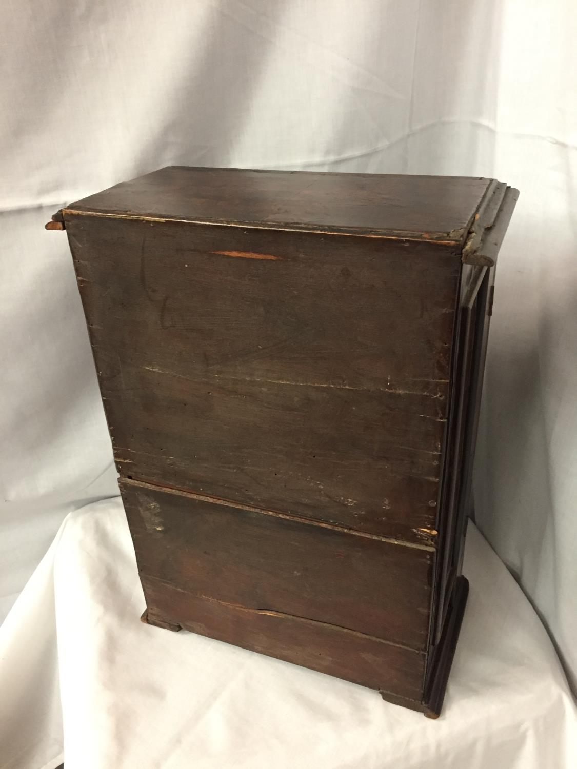 A WALNUT MINATURE CABINET TO INCORPORATE SEVEN DRAWERS 44CM HIGH POSSIBLY A WATCH MAKERS CABINET - Image 5 of 5